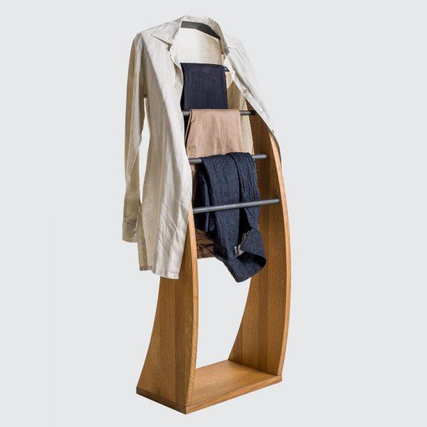 Leseno stojalo za obleke_02